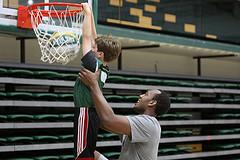 volunteer basketball coach
